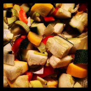 Duszony Kurczak Z Pieczarkami Oraz Pieczone Warzywa Anna