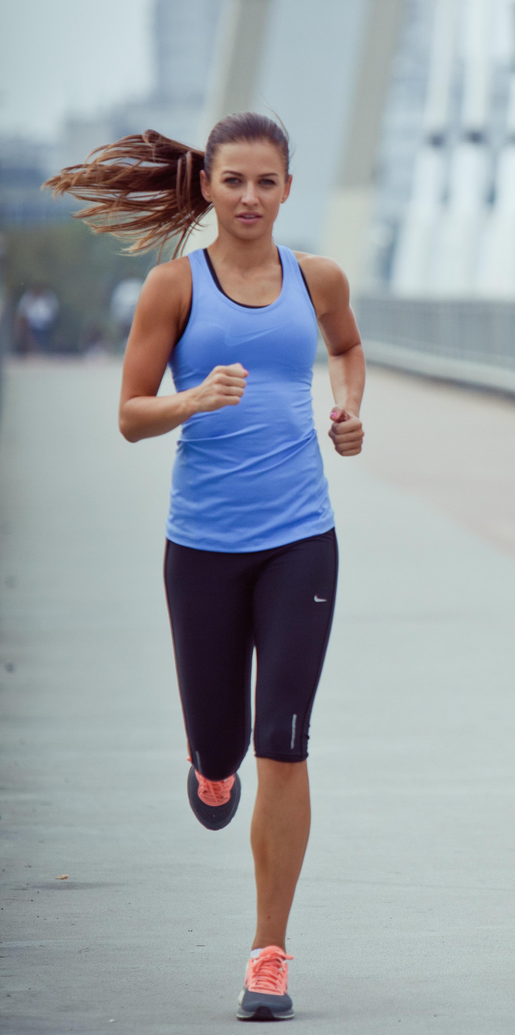 Trening na NOGI I POŚLADKI! - Anna Lewandowska - healthy plan by Ann